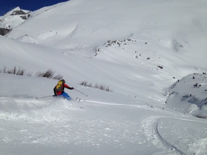 Dan finding putting in some nice turns in the powder